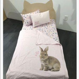 Crib size bedding set / literie pour lit de bebe